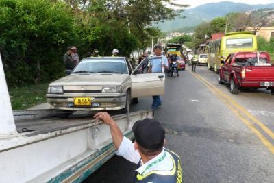 Tránsito de Bucaramanga triplicó costos de grúa y patios para los 'piratas'