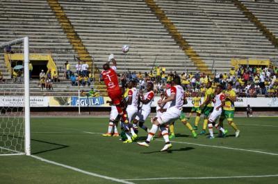 Independiente Santa Fe, el único puntero de la Liga