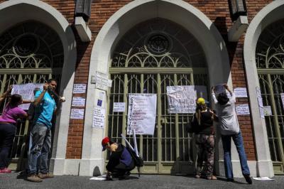Venezolanos rechazan Constituyente con cientos de pancartas