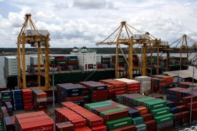 En mayo las exportaciones de zonas francas cayeron 33,7%