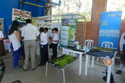 Jóvenes de tres provincias participaron en Feria de Ciencia e Innovación 2017