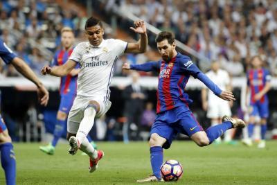 Real Madrid y Barcelona se miden en un clásico previo al inicio de la temporada