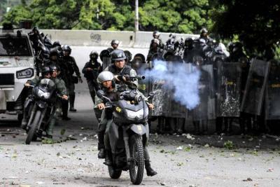 En Caracas los enfrentamientos comenzaron en horas de la madrugada y han sido intermitentes en varias zonas de la capital.