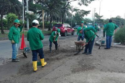 Huecos en la vía Chimitá-Girón recibieron arreglos