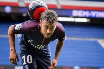Neymar enloquece París en busca de nuevos desafíos
