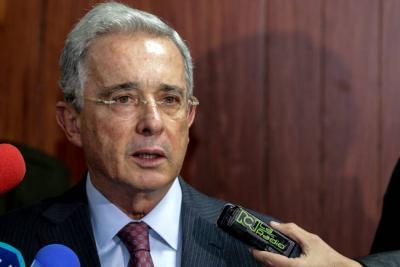 Uribe rectificó acusaciones contra Samper Ospina