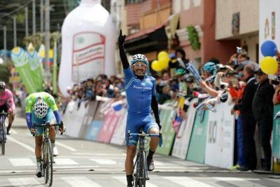 Santandereano Aristóbulo Cala sigue de líder de la Vuelta a Colombia