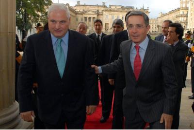 Uribe envía una carta para apoyar a expresidente de Panamá investigado en EE.UU.
