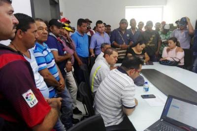 Comunidad bloquea campos de Ecopetrol en Santander
