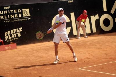 El argentino Guido Pella, siembra uno del Open Claro Floridablanca 2017, se clasificó a la semifinal tras vencer ayer al norteamericano Evan King.