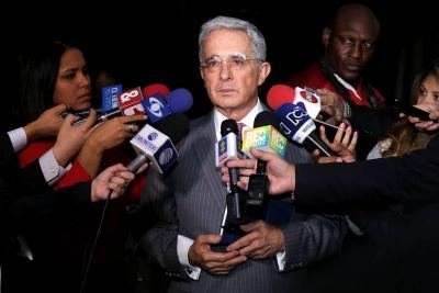 Álvaro Uribe entregó pruebas a la Fiscalía sobre inocencia de su hermano