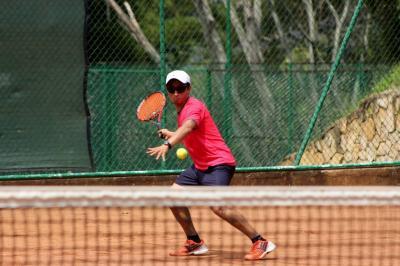 Copa y festival de tenis disputaron sus torneos