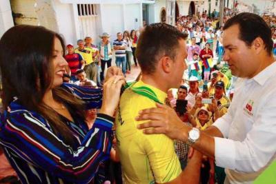 Le prometen una casa en Santander al ganador de la Vuelta a Colombia