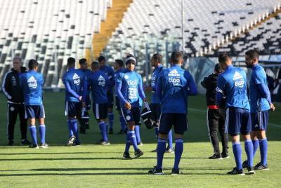 Paraguay - Uruguay, juego determinante en Asunción