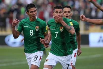Bolivia venció 1-0 a Chile y le complica su clasificación