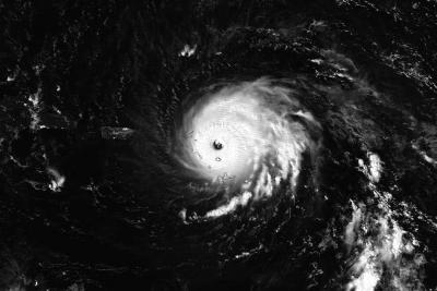 Ojo del huracán Irma se desplaza al norte de Puerto Rico