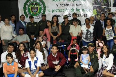 Ahorraron el dinero de sus onces para ayudar a niños con discapacidad en Bucaramanga
