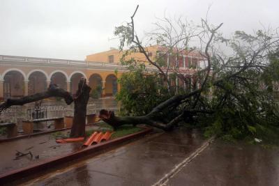 Tras causar estragos en Cuba, huracán Irma se dirige ahora a Florida