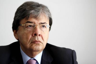'Nuevo partido de las Farc es una campanada de alerta para el país': Carlos Holmes