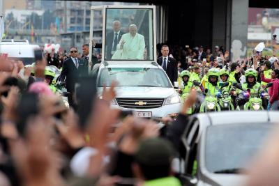Bogotanos le dieron una calurosa despedida al papa Francisco en su último día de visita