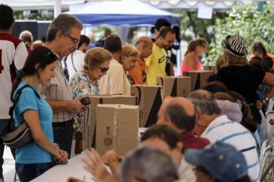 Oposición venezolana empezó el recuento de votos en sus elecciones primarias