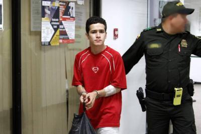 Fue enviado a prisión tras ser acusado de apuñalar a su primo
