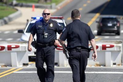 Al menos un muerto y cinco heridos por un tiroteo en una escuela de EEUU