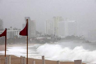 El huracán Max está a punto de tocar tierra en las costas de México
