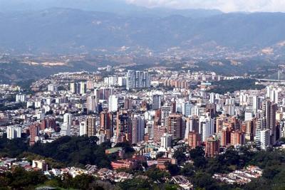 En julio, área licenciada en Santander cayó 55,8%