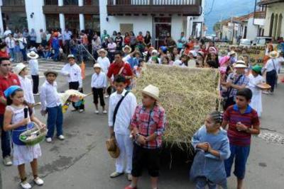 Evocando al maestro Morales se inició semana cultural