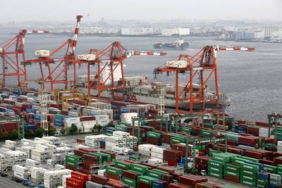Déficit de la balanza comercial se redujo 46,2%