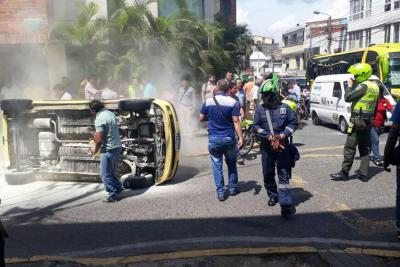 Un herido dejó choque entre vehículos en Bucaramanga