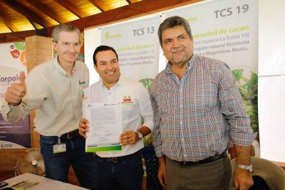 Firman convenio para fortalecer red de laboratorios de La Suiza