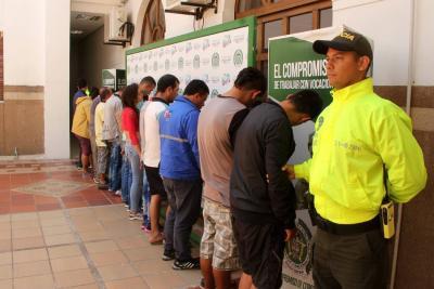 20 personas capturadas en dos golpes al microtráfico en Bucaramanga