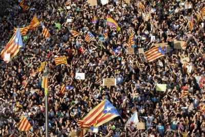 """Presidente catalán dice que declarará la independencia """"en cuestión de días"""""""