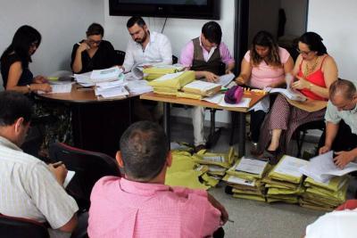 70 oferentes se presentaron en licitación de la Alcaldía
