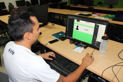 Alumno de las UTS diseña una estrategia para mejorar la movilidad de estudiantes