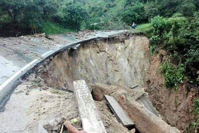 Graves daños en la vía entre Bucaramanga y la Costa Atlántica