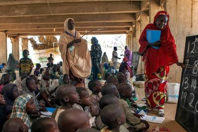 Despedirán en Nigeria a 22 mil profesores por no aprobar examen para niños de 6 años