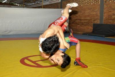 Falta de apoyo, el rival más fuerte de los atletas de Santander