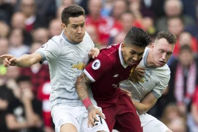 Liverpool y Manchester United no se hicieron daño en el clásico de 'Rojos'
