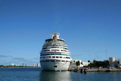 Murió niña que cayó de un crucero en el puerto de Miami