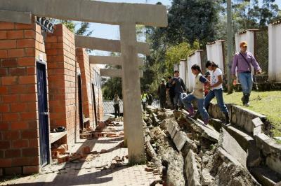 Tras siete años, damnificados de la ola invernal en Santander no reciben sus casas