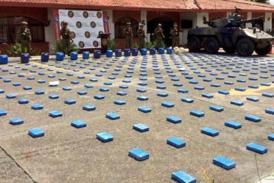 Incautan 762 kilos de cocaína y laboratorio del 'Clan del Golfo' en Atioquia