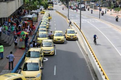Taxistas proponen estos sitios como zonas amarillas de parqueo en Bucaramanga