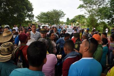 Por protesta cierran puente hacia Yondó