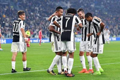 Cuadrado y Zapata fueron titulares en la derrota de Milán ante Juventus