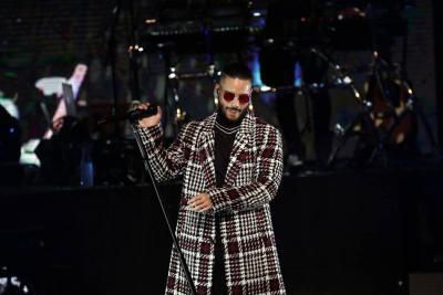 Maluma es blanco de críticas por interpretar tema de Héctor Lavoe