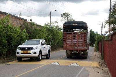 Paso de vehículos pesados en Ruitoque Bajo está restringido