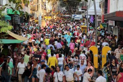 Evalúan otorgar permisos a vendedores informales por Navidad en Bucaramanga